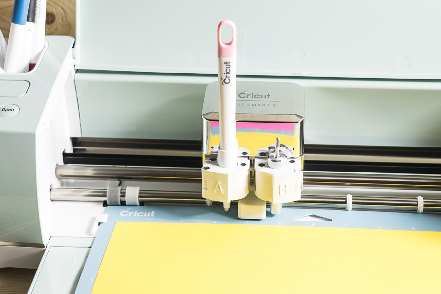 Circut Explores Air 2 + Scoring Stylus & Fine Point Blade