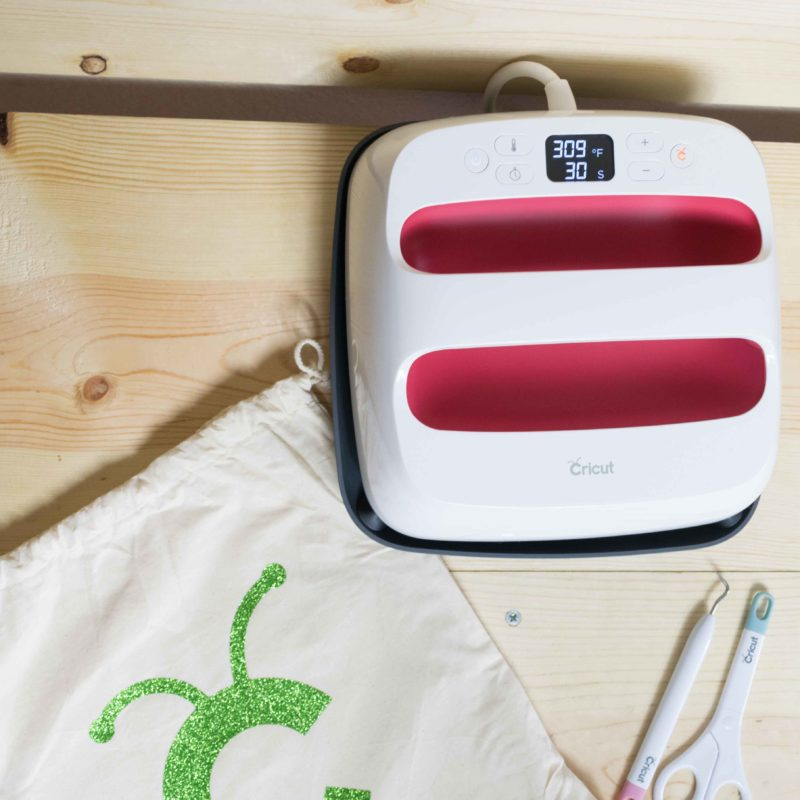 Cricut EasyPress 2 Review – Is it Worth it, do you need one?