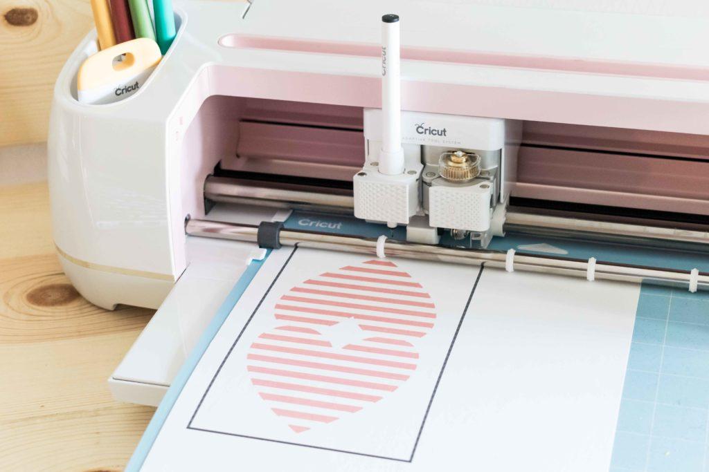 Cricut Maker ready to cut the Heart Shaped Card. Also using Cricut Pens and Scoring Wheel