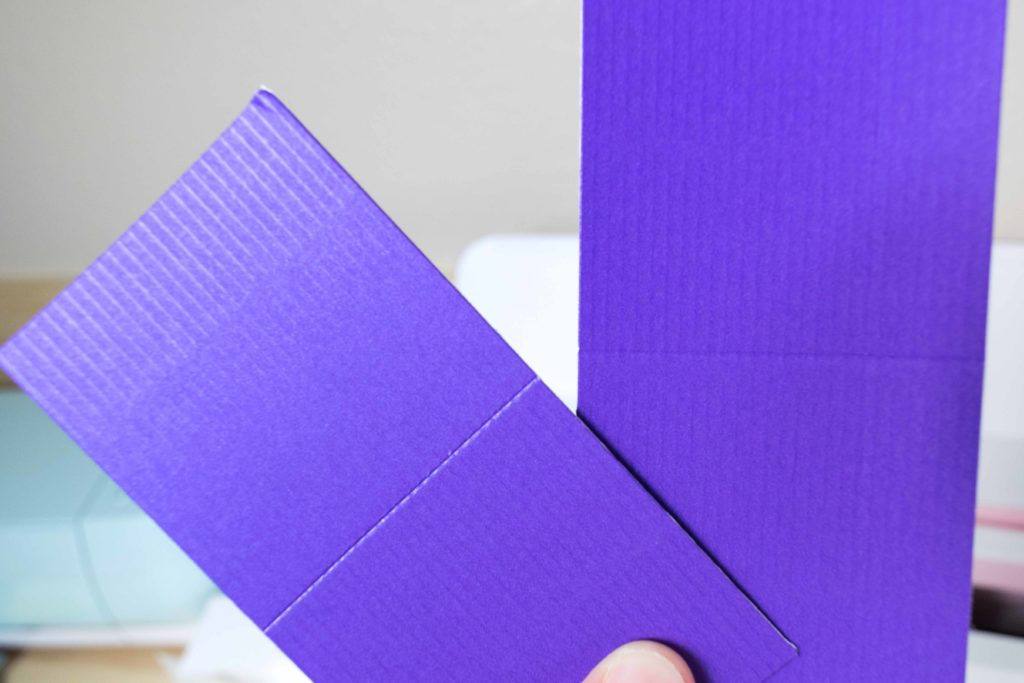 Comparing score line with the stylus and wheel tip 01 on Corrugated Paper
