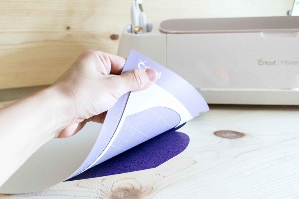 Remove Pillow box from Mat by bending Mat