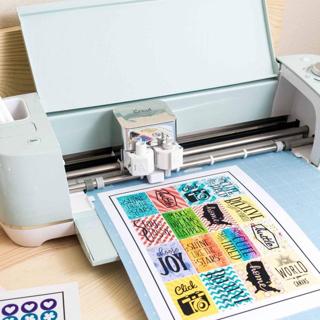 Cricut Explore Air 2 cutting stickers