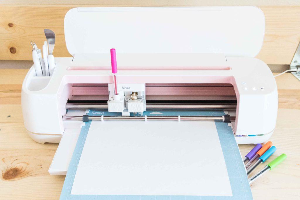 Install Pen to Cricut Maker start drawing process