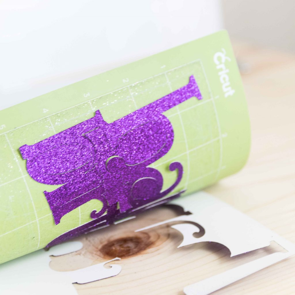 Removing cake topper from Cricut Mat