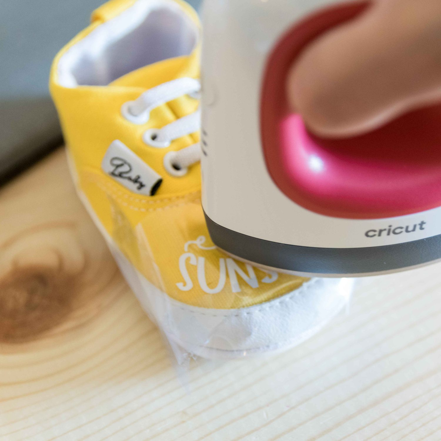 pressing baby shoe with Cricut Easypress Mini
