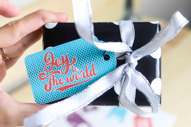 Retro style Christmas gift tags free printables,