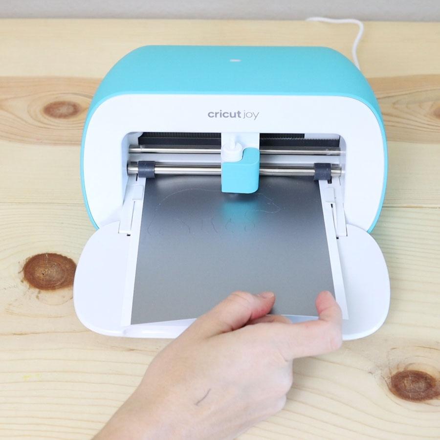 cutting smart vinyl with cricut joy