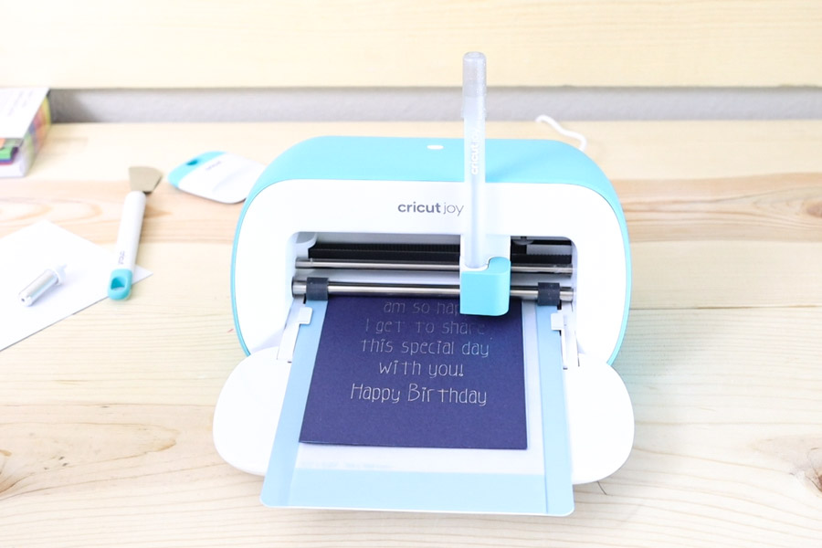 writing inside Cricut Joy card mat