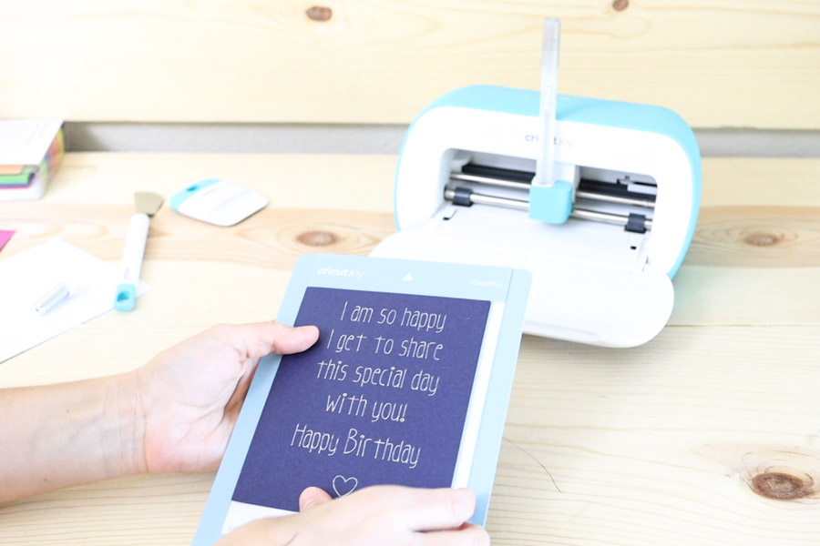 End result writing inside a card with Cricut Joy