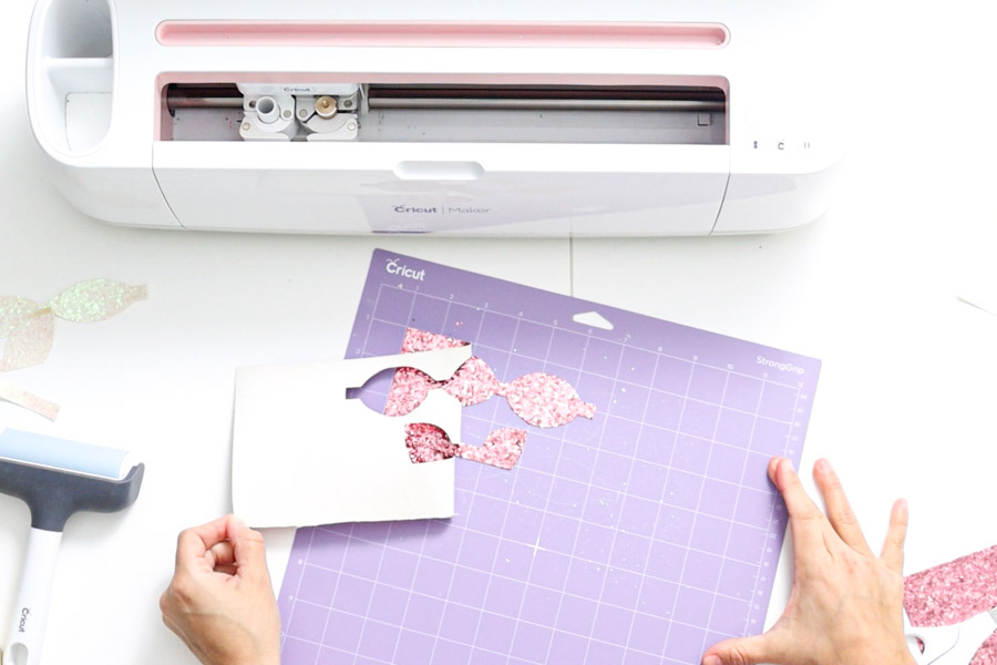 removing pieces from cricut mat