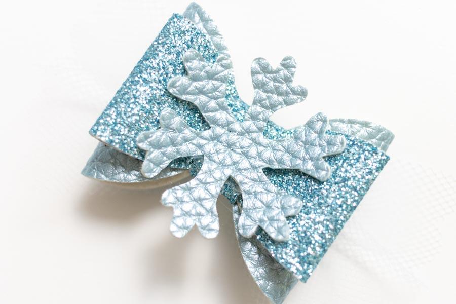 winter hair bow made with cricut