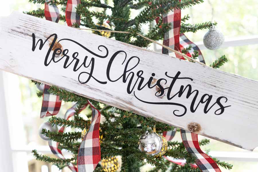 Merry Christmas wooded sign made with Cricut close up