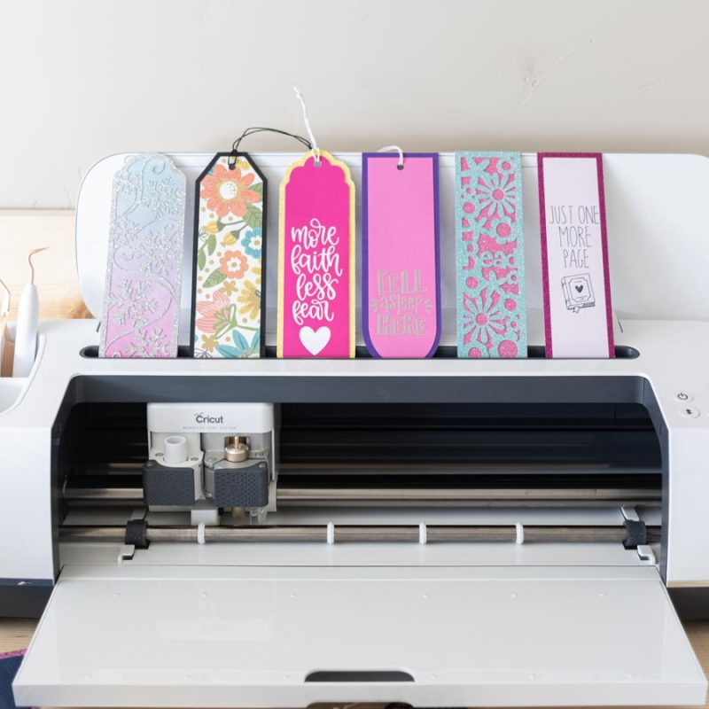 How to Make Bookmarks with your Cricut | Free SVG templates!