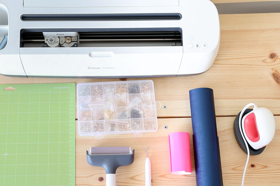 materials for making jewelry with cricut
