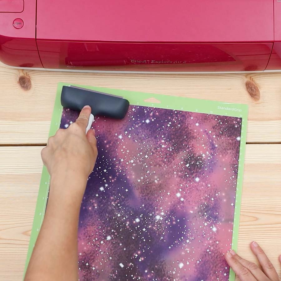 placing Cricut infusible ink on mat