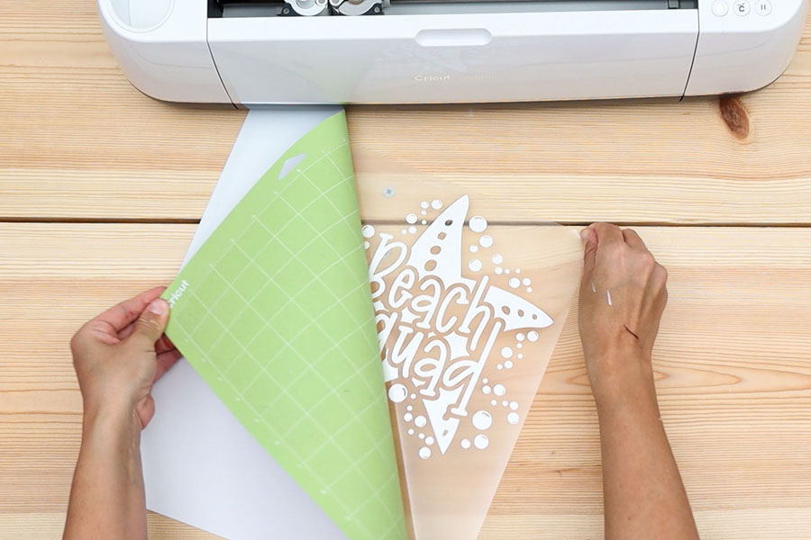 removing vinyl from cricut mat