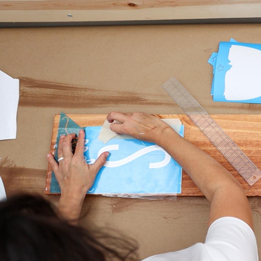 removing transfer tape from stencil vinyl