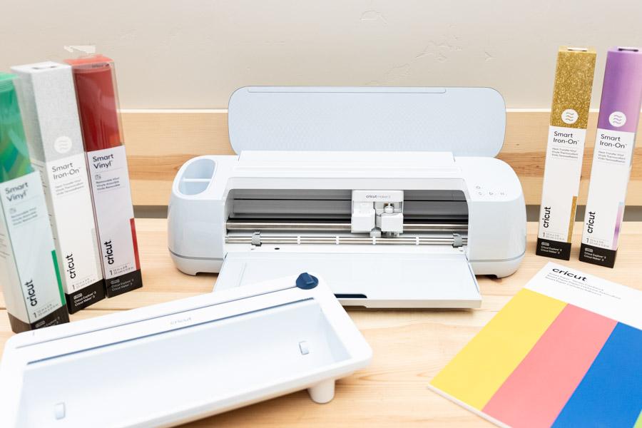 Cricut Maker 3, roll holder and Smart Materials